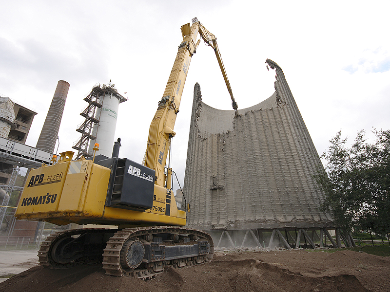 Cooling Tower Demolition : Cooling tower demolition in beroun