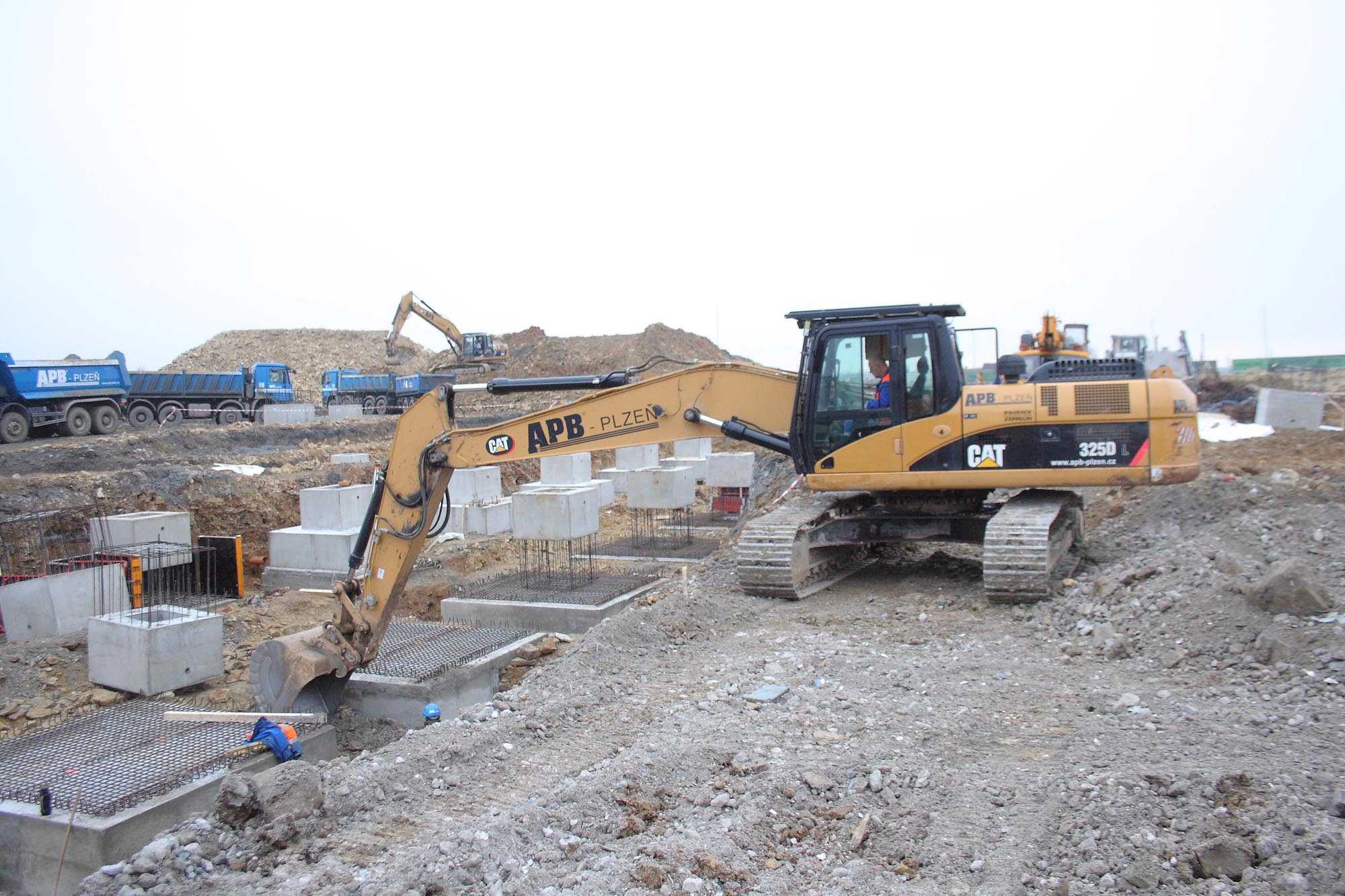 Earthwork Construction Management : Earthworks for the construction of a new building lego